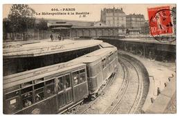 PARIS LE METRO A LA BASTILLE ANIMEE - Transport Urbain En Surface