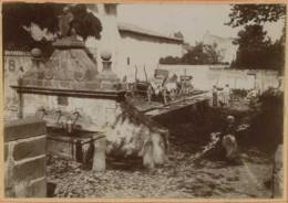 Auvergne . Fontaine Du Lion à Montferrand . Laveuses . Citrate Circa 1900 . - Antiche (ante 1900)
