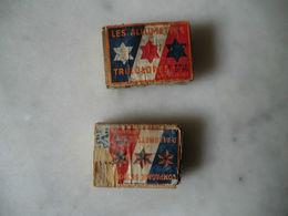 Les Boites D'allumettes Tricolores - 1939 Deux Boites Dont Une Abîmé - - Boites D'allumettes - Etiquettes