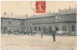 D02 - HIRSON - La Gare Extérieure - Hirson