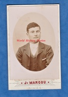 Photo Ancienne CDV Vers 1900 - NIMES - Portrait Jeune Homme Nimois - Photographe J. Marcou - Pose Costume Garçon - Photos