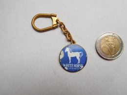 Porte Clés , Alcool , Scotch Whisky White Horse , ATTENTION : éclat Dans L'émail - Porte-clefs