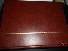 Album, Grand  Classeur Fond Blanc 32 Pages Bon Etat General Occasion  Voir Scans - Stockbooks