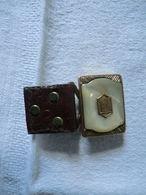 Ancienne Boucle De Ceinture Serti De Nacre En Métal Doré Marque Gloray - Vintage Clothes & Linen