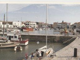 ILE DE RE (17). LA FLOTTE EN RE. Le Port Dans La Lumière Du Soir. Bateaux De Pêche, De Plaisance (Transports: Bateaux) - Ile De Ré