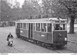 Photo Cpsm Cpm TRAINS ET LOCOMOTIVES. 69 Lyon. Motrice Marcinelle De Tramway - Trains