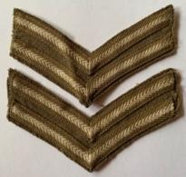Militaria. WW2. British Army. Paire D'Insignes En Tissu. Chevrons De Caporal. Bonne Condition. - Ecussons Tissu