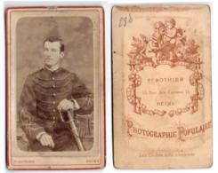 (Photo Carte De Visite) 298, Portrait Militaire, 132e RI Régiement D'Infanterie ???, Photo Rothier à Reims - Guerra, Militares