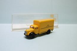 Brekina - Camion MERCEDES BENZ L311 Deutsche Bundespot Réf. 4006 Neuf NBO HO 1/87 - Véhicules Routiers
