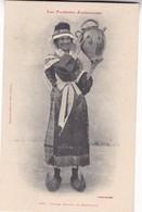 LES PYRENEES ARIEGEOISES. JEUNE FEMME DE BETHMALE. LABOUCHE FRERES. MITCHELI. CIRCA 1904s - BLEUP - Personajes