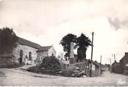 22 - LESCOUET GOUAREC : Le Bourg -  CPSM Village ( 220 Habitants) Dentelée Grand Format - Côtes D'Armor - Otros Municipios