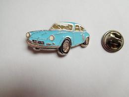 Beau Pin's , Auto Renault Alpine A 106 , Bleue Ciel - Renault