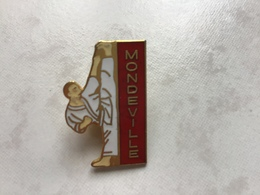 RARE Pin's EGF Signé EPS - JUDO MONDEVILLE 14 Calvados NORMANDIE - Judo