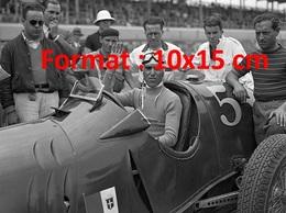 Reproduction D'une Photographie De Tazio Nuvolari Avant La Course De La Vanderbilt Cup Sur Le Roosevelt Autodrome 1936 - Repro's