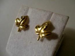 Orecchini In Oro A Forma Di Foglia Con Zircone 1cm - Earrings