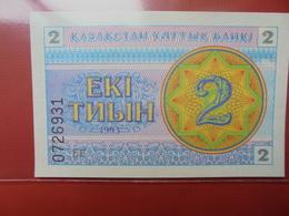 KAZAKHSTAN 2 TYIN 1993 PEU CIRCULER/NEUF - Kazakhstan