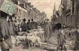 CPA -  BREHAL  (50)  La  Grande Rue,  Le Jour De La Foire - Brehal