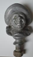 Rare Bouchon Ou  Décoration   En Alliage Pierrot De La Marque Cointreau Triple-sec Model Ancien Format 11 Cm - Alcools