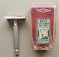 - Ancien Rasoir En Métal - Gillette - Avec Sa Boite Et 2 Lames - - Accessoires