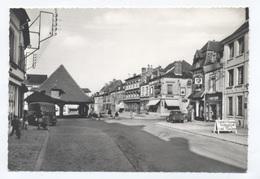 27-LYONS-LA-FORÊT- HALLES ET ROUTE DE GISORS -RECTO / VERSO-- B56 - Lyons-la-Forêt