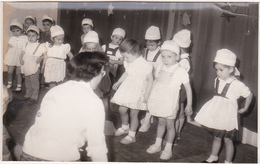 Ancienne Photo / LAON - Sous Le Signe Du Sapin - Arbre Maternelle (spectacle) / Fin Années 50 - Lieux
