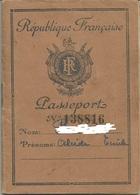 Passeport Français 1950 - Timbres Fiscaux - Visas Allemagne ( 3 Zones Et Berlin ) - Documents Historiques