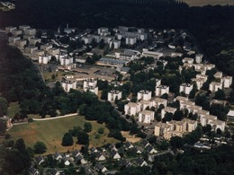 Vingt-trois Photographies Aériennes Des Années 2000 - Seine Et Marne - Avon - Places