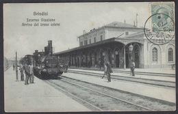 Italia - BRINDISI, Interno Stazione, Arrivo Del Treno Celere - Brindisi