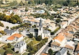 BRIOUX Sur BOUTONNE - Vue  Aérienne. Le Centre Du Bourg . CPM Pas Courante - Brioux Sur Boutonne