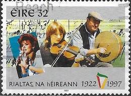 IRELAND 1997 75th Anniv Of Irish Free State - 32p - Singer, Violinist And Bodhran Player FU - Usados