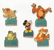 SUPERBE Lot De 5 Pin's WALT DISNEY HOME VIDEO -  Mickey, Polochon, Shere Khan, Junior Et Le Roi Louie - Disney - I239 - Badges