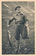 Snapshot Homme Avec Poisson Truite Saumon Pêche Nature Animaux Fish Fishing - Sports
