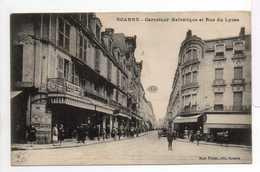 - CPA ROANNE (42) - Carrefour Helvétique Et Rue Du Lycée (avec Personnages) - Edition Mme Prieur - - Roanne