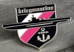 Pin's Armée Marine De Guerre Allemande Kriegsmarine 1939 1945 - Sous Marin Ancre - Militaria