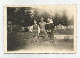 Men Pose For Photo  Rg365-178 - Anonyme Personen