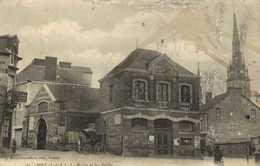 PIRE (I Et V) La Mairie Et Les Halles RV - Autres Communes