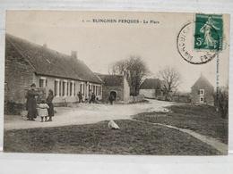 Elinghen-Ferques. La Place. Animée - France