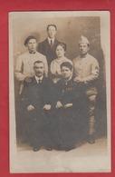 Carte Photo 2 Soldats En Famille Du 91 ème Rgt  ? - Militaria