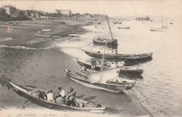 *** 33  ***  ARCACHON  La Plage Et Les Bateaux De Pêches - TTB  Timbrée - Arcachon