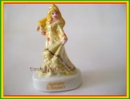 Bal Des Princesses De Disney ...  Aurore... Ref AFF : 29-2010 .. (pan 0040-11) - Disney