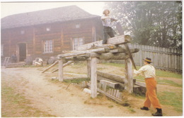 Fort Langley National Historic Park : SAWING PLANKS / MENUISERIE - Parc National Du Fort Langley - (B.C., Canada) - Vancouver