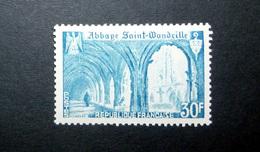 FRANCE 1951 N°888 ** (ABBAYE SAINT-WANDRILLE. 30F BLEU CLAIR) - Nuovi