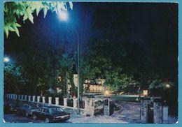 BRUXELLES - Restaurant Parc SAVOY - Opel Commodore A Peugeot 404 Sunbeam Rapier Fastback Coupé 1967 Autos - Brüssel Bei Nacht