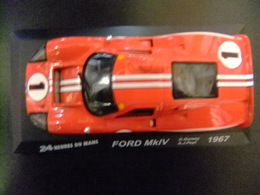 FORD MK IV 24 H Le Mans 1967 D. Gurney - A. J. Foyt - Carros