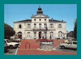 16 Ruffec Hotel De Ville (puits , Voitures , Horloge ) - Ruffec