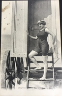 (418) Dames Zwemkledij - 1916 - Strandkabine - Mode