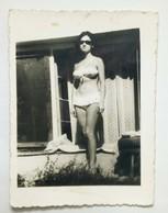 Original Photo, Devojka U Kupacem Kostimu, Girl In Swimsuit, 1950s, Dim. 5,9 X 8 Cm, Serbia, Srbija - Pin-Ups