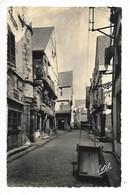 CHINON  (cpa 37)  Vieilles Maisons, Rue Voltaire  -  L 1 - Chinon