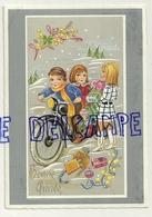 Bonne Année. Deux Enfants à Moto. Mimosa, Houx, Trèfle, Cadeaux - Nouvel An