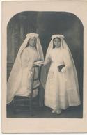 Portrait De Deux Communiantes En Studio (Ca 1910) Hélène Laurent - Identified Persons